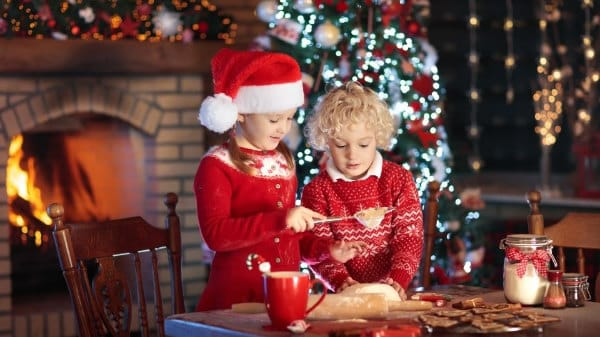 Weihnachtsferien: Kinder backen
