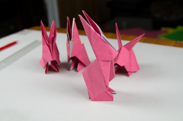 Osterhasen basteln aus Papier
